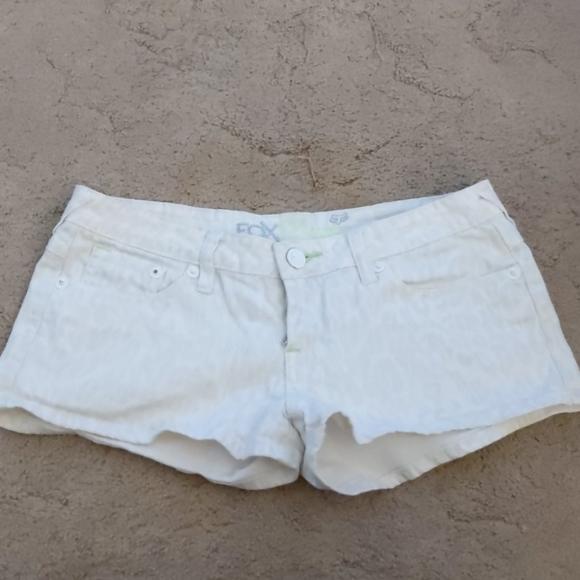 Fox Pants - Shorts